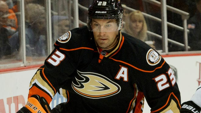 Anaheim Ducks defenseman Francois Beauchemin missed five games with the mumps and lost 10 pounds.