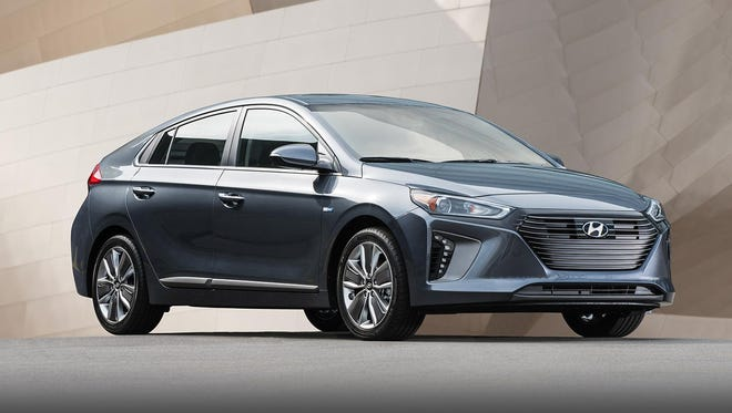 The 2019 Ioniq Hybrid's low-resistance design aids in fuel efficiency that the EPA rates at up to 55 mpg.