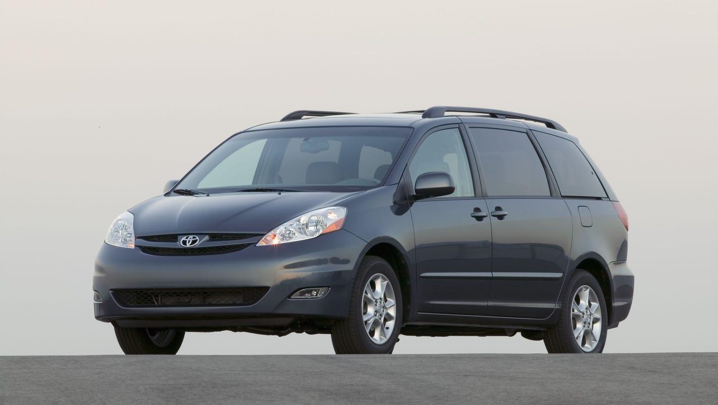 toyota sienna recall minivans need fix to prevent rollaways. Black Bedroom Furniture Sets. Home Design Ideas