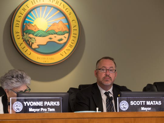 Desert Hot Springs Mayor Scott Matas and former Council member Yvonne Parks at a previous meeting.