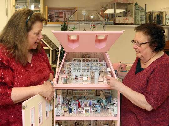 Mini-making no small feat for these 2 Pawling women