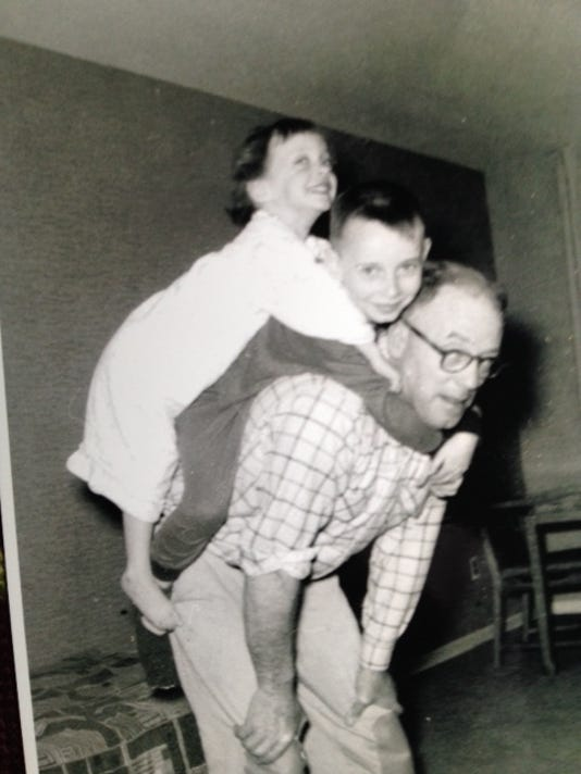 635703281358972899-Howard-Fleming-with-david-and-sister