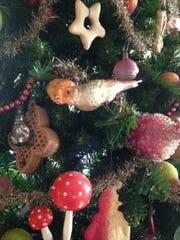 MCHS Antique Ornaments Designer L Pastorino November 2015