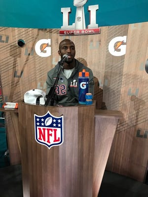 Former Rutgers DB at Super Bowl microphone