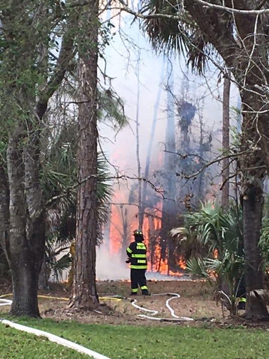 636250218932705811-estates-fire9.jpg