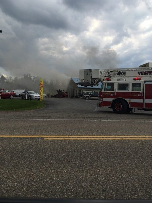 Tj Auto Sales >> Firefighters At Scene Of Tj S Auto Sales