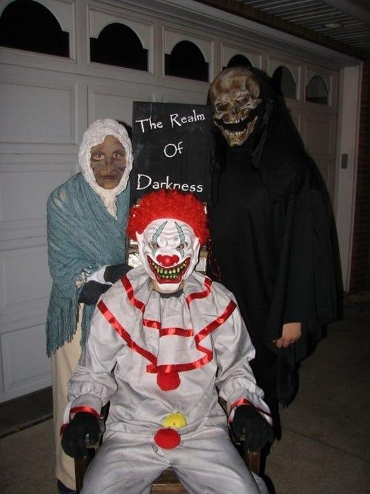 636420448724680401-hauntedhouse.jpg
