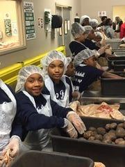 Volunteers from last year's Thanksgiving dinner sponsored