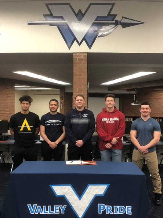 Wayne Valley football signing