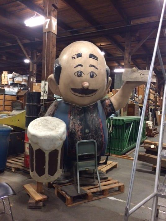 Papa Burger in warehouse