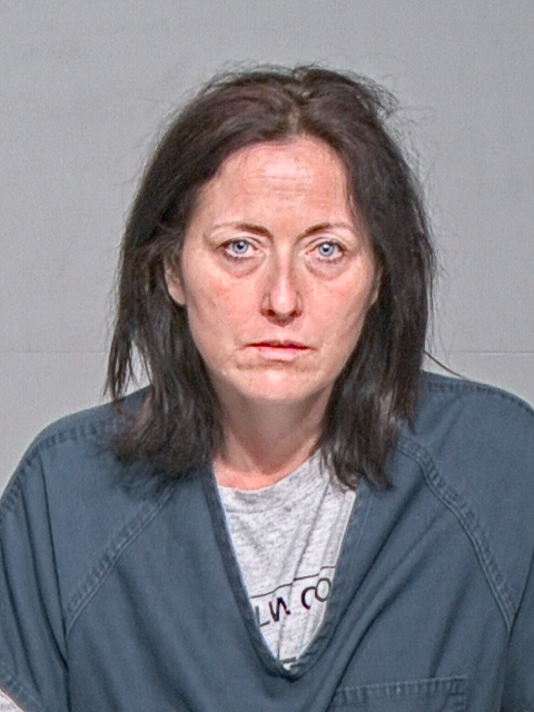 Amy-Knecht-2c-Amy-arrest-date-04.28.18.png