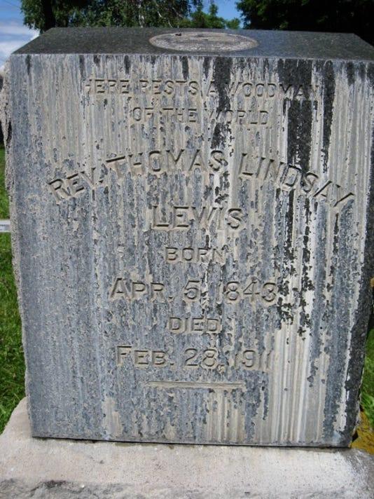 Lewis, Thomas gravestone.jpg
