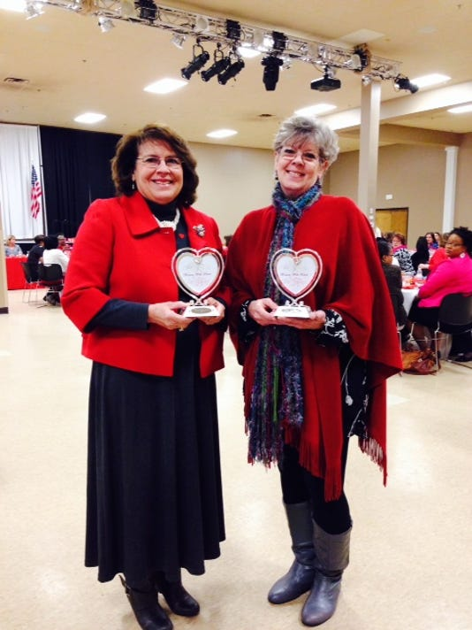 IMG_Women_with_heart.jpg_1_1_416FGU4V.jpg_20140216.jpg
