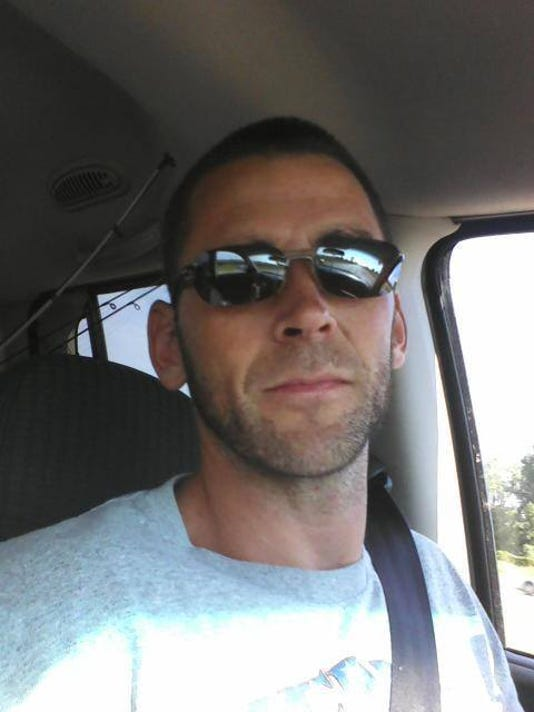 Eric_Hall_-_Sunglasses_2c_short_beard.jpg