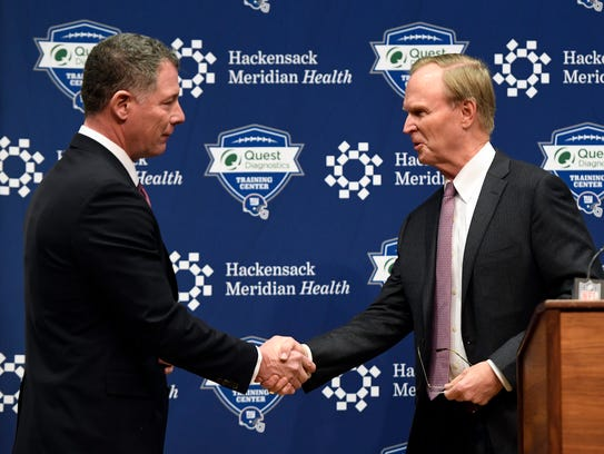 The new Giants head coach Pat Shurmur, left, and owner