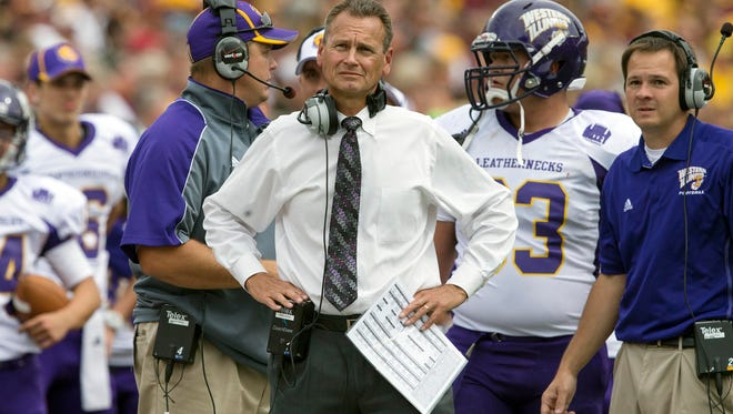 Bob Nielson went 16-21 over three seasons at Western Illinois. In 2015, he led the Leathernecks to the second round of the FCS playoffs.