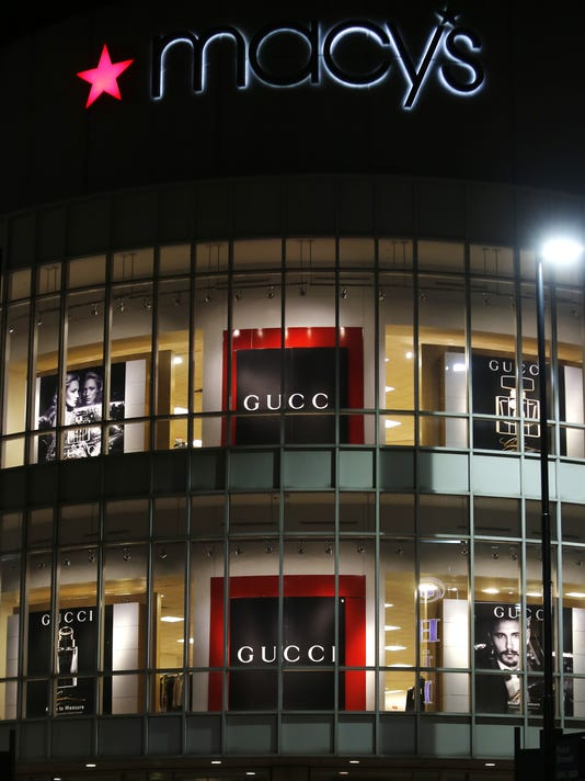 636095378088742021-gucci-display.jpg