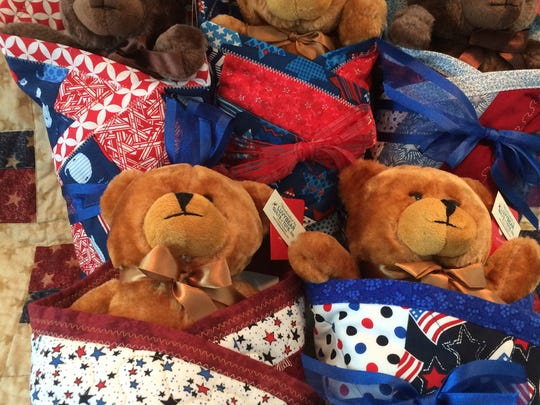 Teddy bears from Luvybear Quilts 4 Tots.