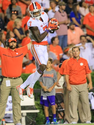 Clemson wide receiver Mike Williams (7) catches a ball against Auburn during the fourth quarter at Jordan-Hare Stadium in Auburn, Alabama.