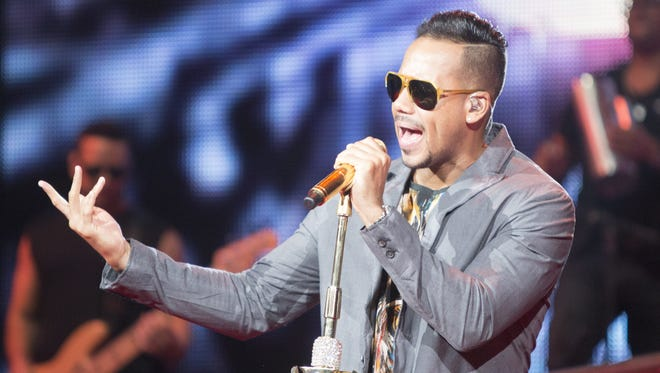 Romeo Santos performs at Comerica Theatre, Thursday, May 28, 2015, in Phoenix.