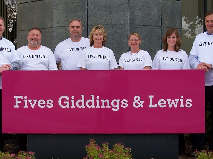 FIVES Giddings & Lewis United Way Pacesetter team includes, from left: Kevin Lichtenberg, executive vice-president and general manager; Dave Mischo, Al Dahlke, Chris Kiesow, Tammy Ditter, Angie Bink and James Spanbauer.