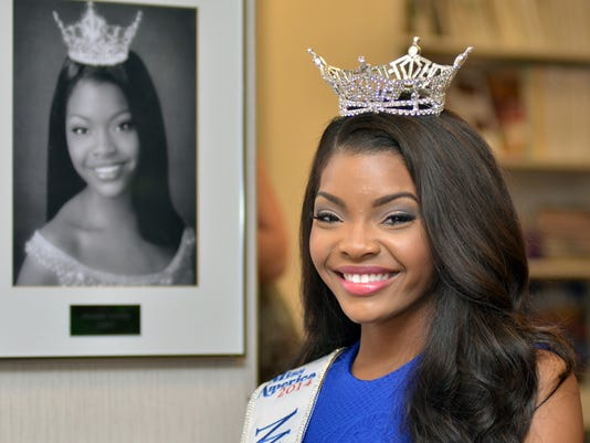 TCL Miss Miss02.jpg