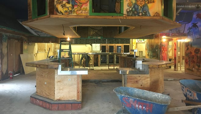 The former home of Chuy's Mesquite Grill in Camarillo is being prepared to welcome the Ventura-based restaurant Spencer Makenzie's.