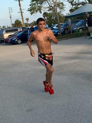 Luis Ortiz en route to victory