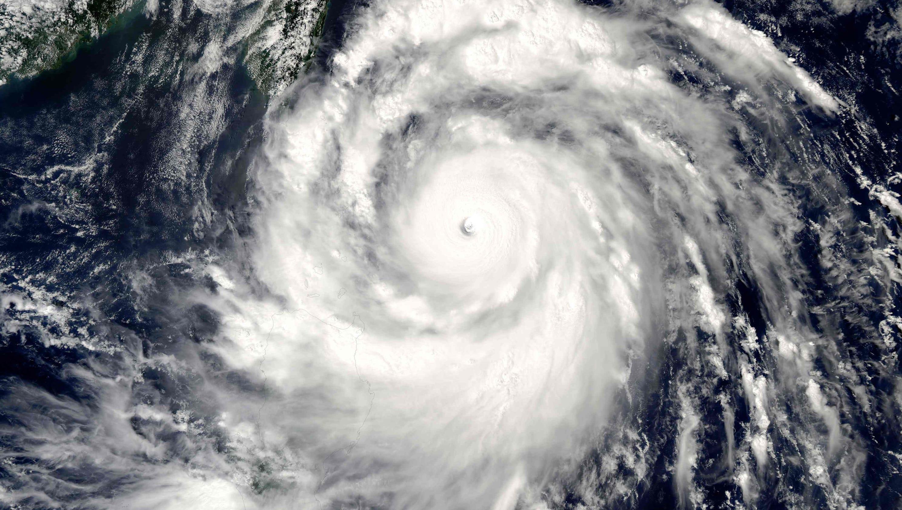 Super Typhoon Meranti Takes Aim On Taiwan China