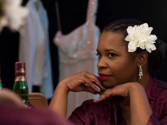 Yolanda London stars as Billie Holiday in Phoenix Theatre's