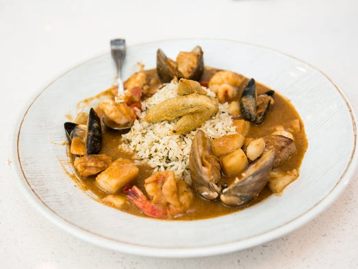 Review: Crab & Mermaid brings solid seafood to Old Town Scottsdale