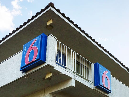 Motel 6 has tentatively agreed to settle a lawsuit