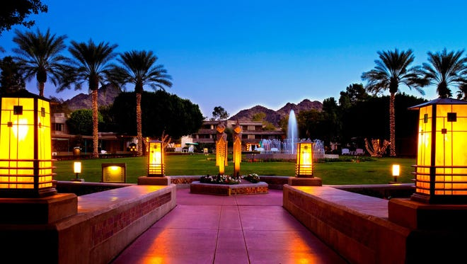 Waldorf Astoria Hotels & Resorts Arizona Biltmore packages include meals and spa discounts.