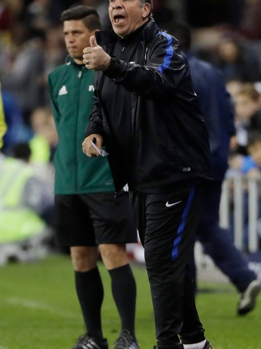 U.S. coach Bruce Arena gestures during the first half of the team's World Cup qualifying soccer match against Honduras, Friday, March 24, 2017, in San Jose, Calif. (AP Photo/Marcio Jose Sanchez)