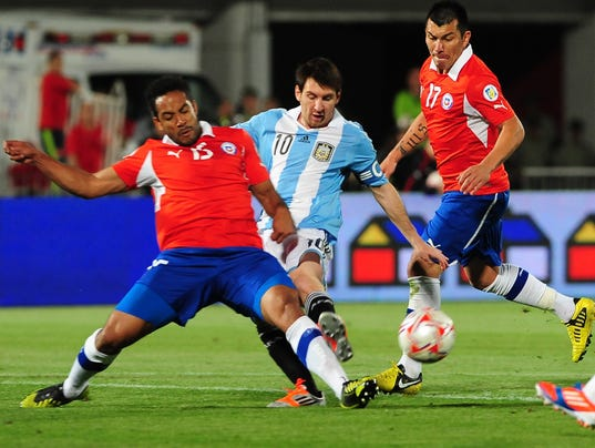 FBL-WC2014-QUALIFIERS-CHI-ARG