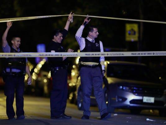 AP CHICAGO VIOLENCE A FILE USA IL