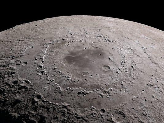 636590501623948096-moon.jpg