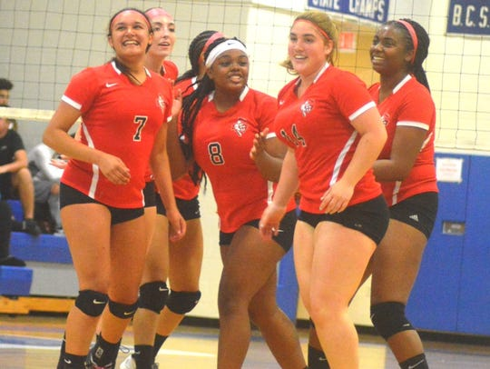 The Elmwood Park girls volleyball team finished 25-6 to break the program's single-season record for wins of 24 set in 1994.