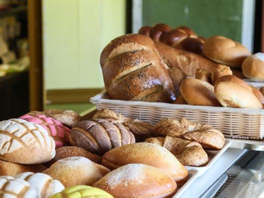 BRI EST 0427 Baked Bread
