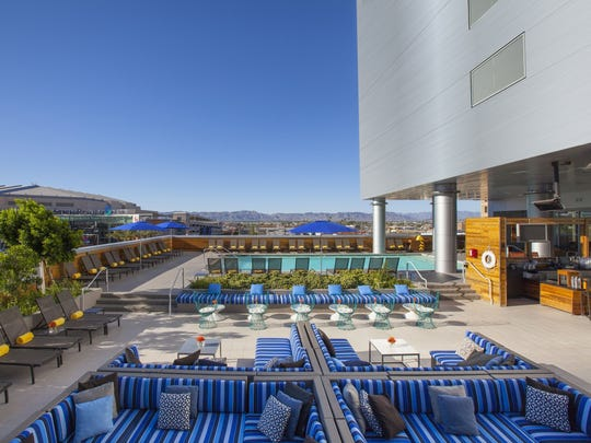 Lustre Rooftop Bar at Hotel Palomar Phoenix