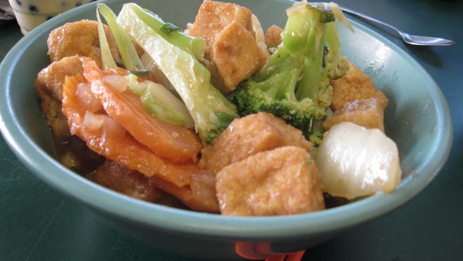 tofu and vegetables from Veggie Heaven. for 0910uteats. addie broyles/american-statesman
