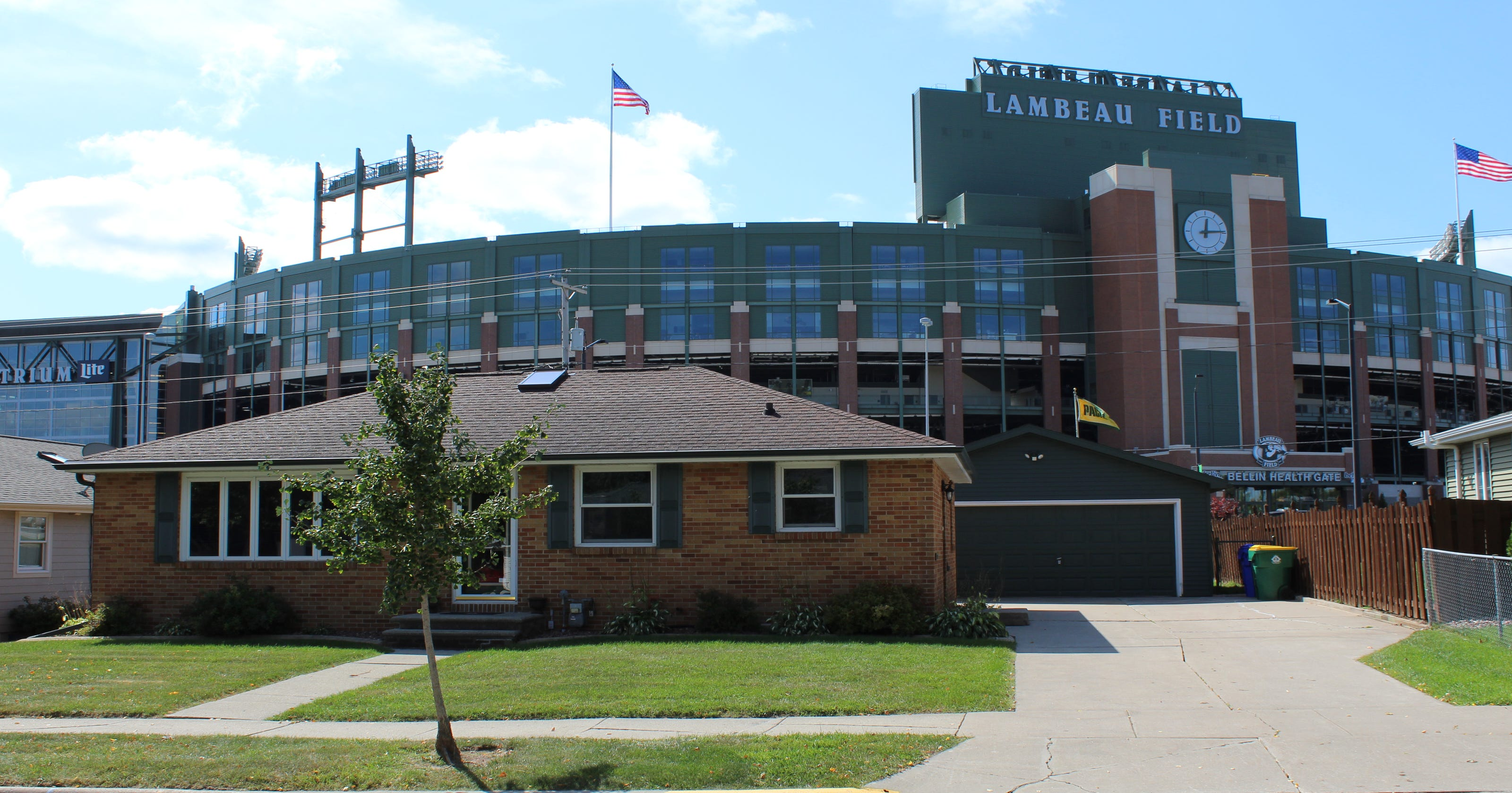 Packers 'party house' on Shadow Lane in Green Bay for sale