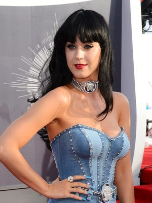 Katy Perry arrives at the MTV Video Music Awards at The Forum on Sunday, Aug. 24, 2014, in Inglewood, Calif. (Photo by Jordan Strauss/Invision/AP)