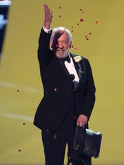 "Donald Sutherland accepts the award for choice movie villain for ""The Hunger Games: Catching Fire"" at the Teen Choice Awards at the Shrine Auditorium on Sunday, Aug. 10, 2014, in Los Angeles."