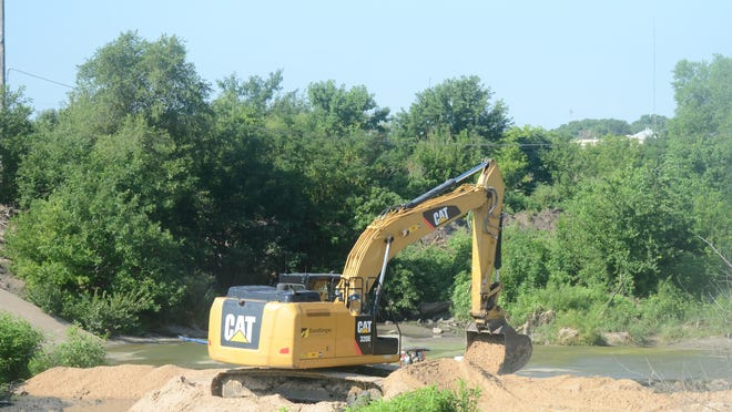 Work to replace a dam that keeps Sand Creek full started this week. The old dam failed in 2019.