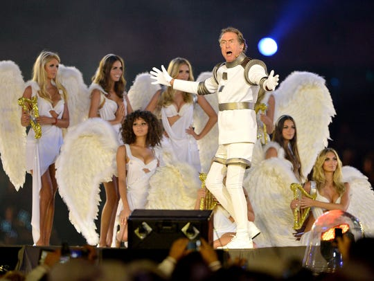 Eric Idle performs during the Closing Ceremony on Day
