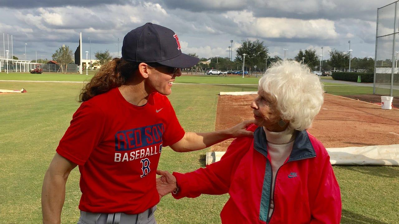 Women's baseball trailblazers Maybelle Blair, Ila Borders have a catch