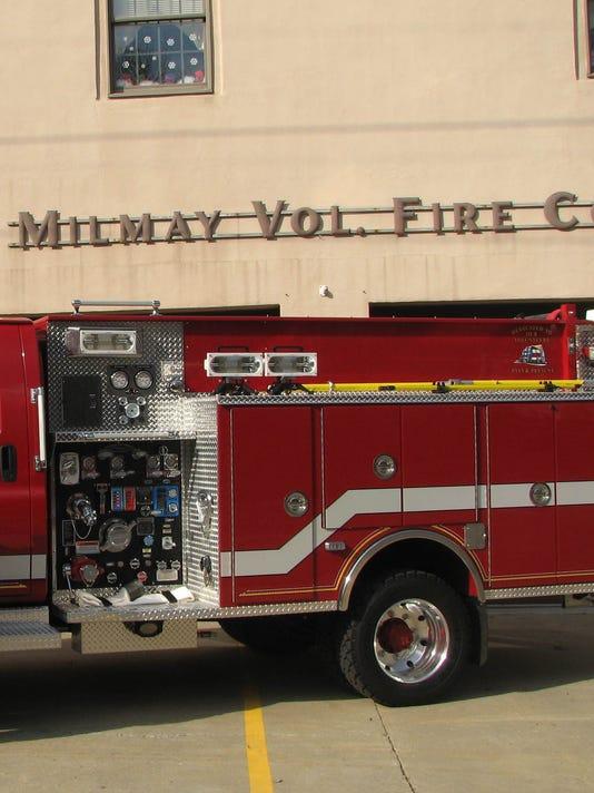 012507 milmay fire truck.jpg