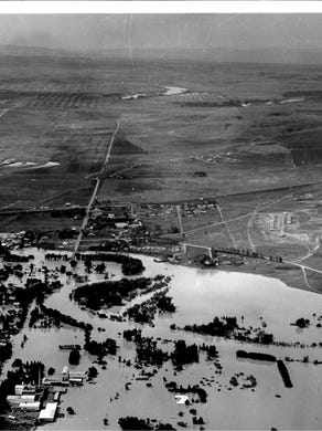 1964 Flood In Stories Photos Videos