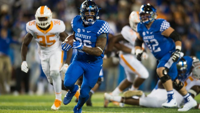 Kentucky running back Benny Snell Jr. (26) rushed for 180 yards on 27 carries against Tennessee last season.
